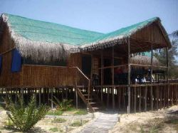Inhambane Accommodation - Barra-Cuda Lodge